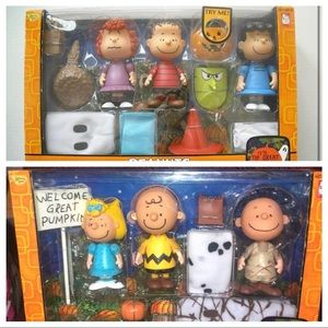 Peanuts Halloween collectors set vintage